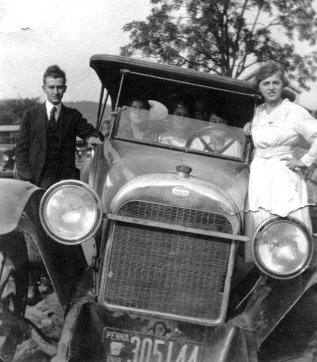 1918 Oakland automobile